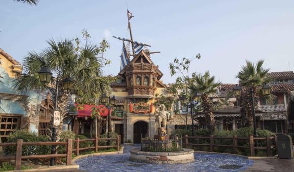 Shanghai Disneyland- Architecture 20.jpg