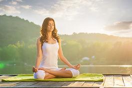 Praktikuvane-na-yoga-1-612x409.jpeg