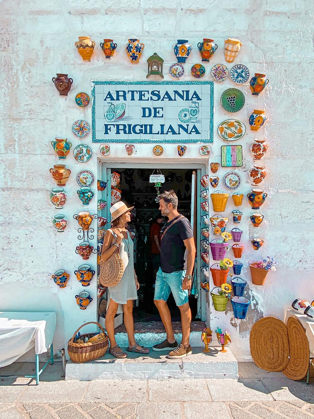 Frigiliana, artesanía, puerta, pueblo blanco, Andalucía
