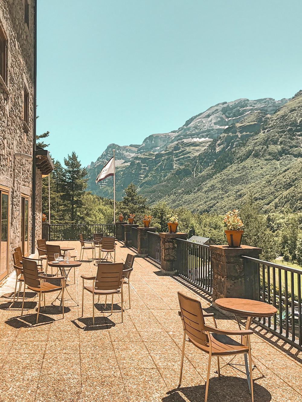 migas aragmontaña, parador, restaurante, naturaleza, vistas, terraza