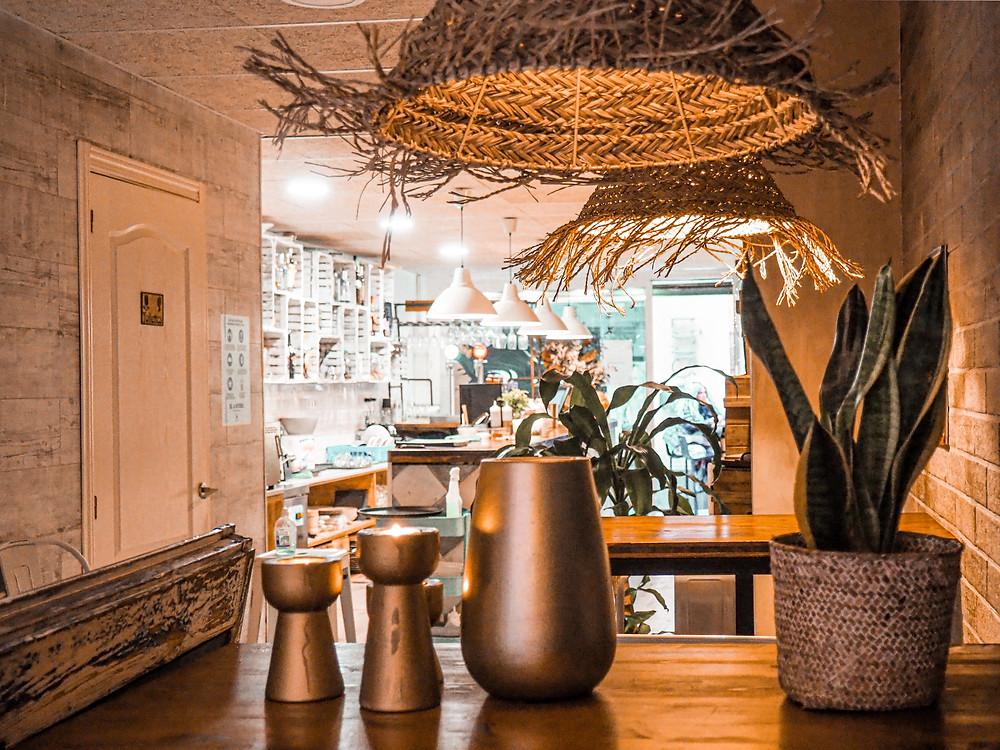 ratán, restaurante, ambiente cálido, gastrocuento