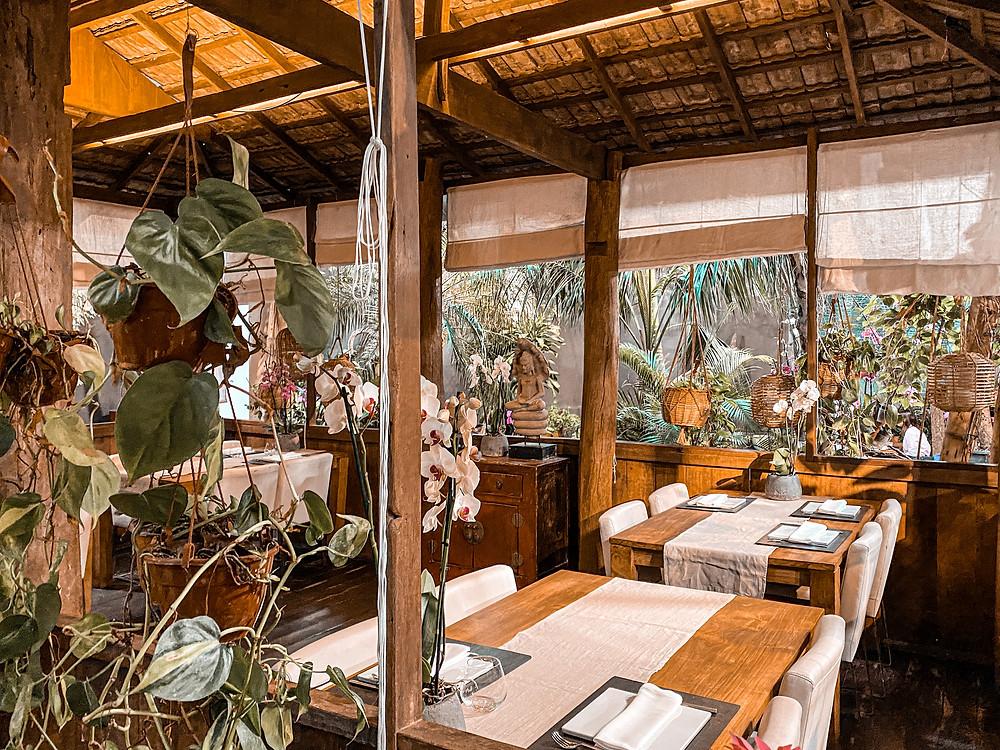 restaurante asiático, decoración, gastrocuento, madera