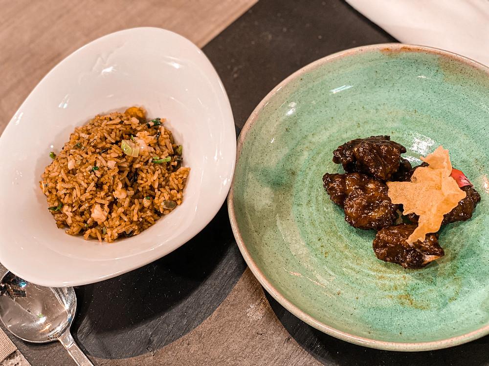 arroz frito, costillas, comida asiática, gastrocuento, cocina creativa