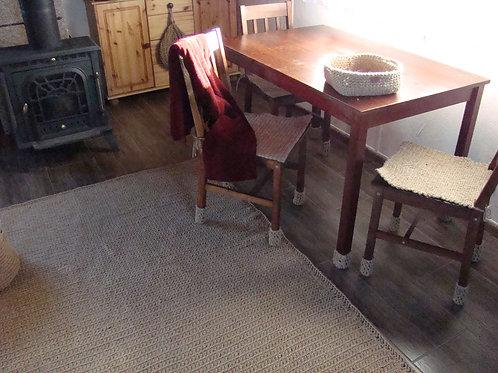 Duży dywan ze sznurka jutowego