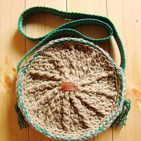 """Okrągła torebka """"Słońce"""" ze sznurka jutowego z tkanym pasem"""