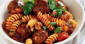 Healthy Food Guide Quick Meatballs in Tomato Sauce