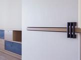 ph  Claudia Tombini - arredi in rovere e rovere carbonizzato realizzati da Codice a barre di Alessio Gismondi