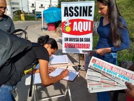 Metalúrgicos de Guarulhos coletam mais de 5 milassinaturas contra o desmonte da Previdência