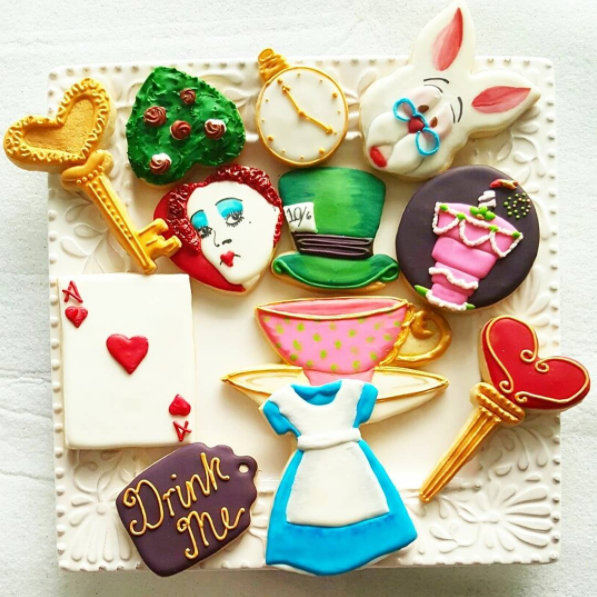 alice in wonderland theme cookies