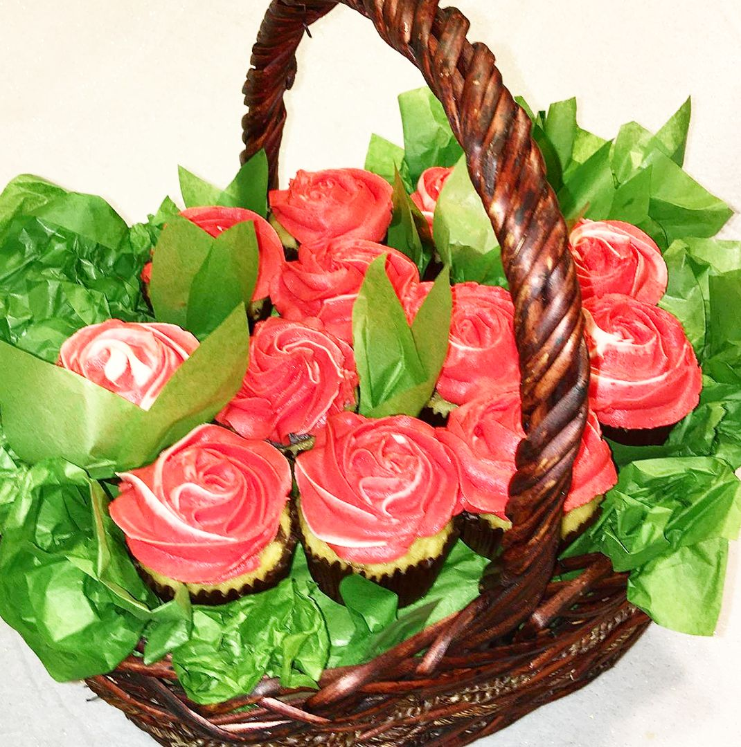 mothers day cupcake basket