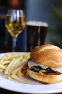cheeseburger 001