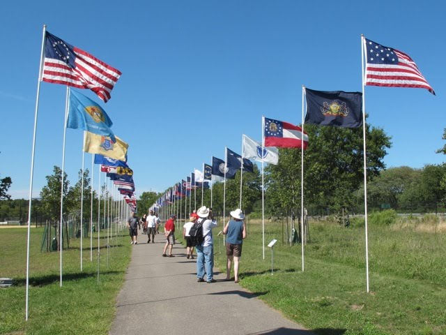 PARADE OF AMERICAN FLAGS 2