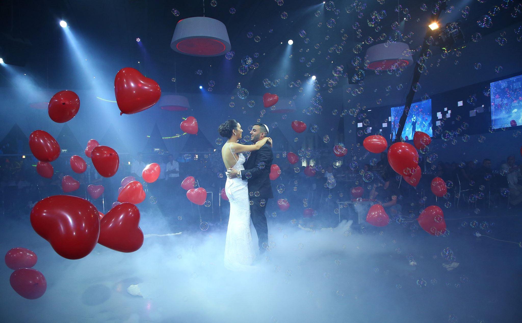 נועם זלאיט די ג'יי לחתונה תקליטן לחתונה בלונים מתפוצצים