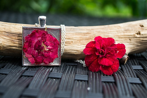 Large Square closed bezel red rose