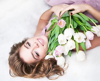 HD-wallpaper-beauty-pretty-beautiful-woman-hair-hand-flowers-face-tulips-long-hair-tulip-f