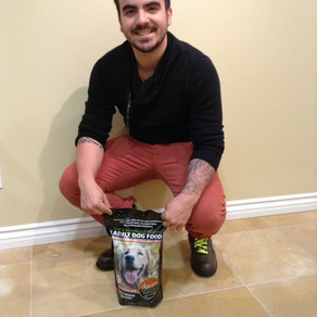Vicente Fernandez IV is a fan of Dave's Pet Food!