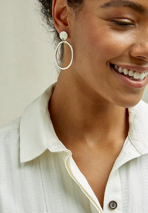 Ohrringe CIRCLE DROP aus versilbertem Kupfer