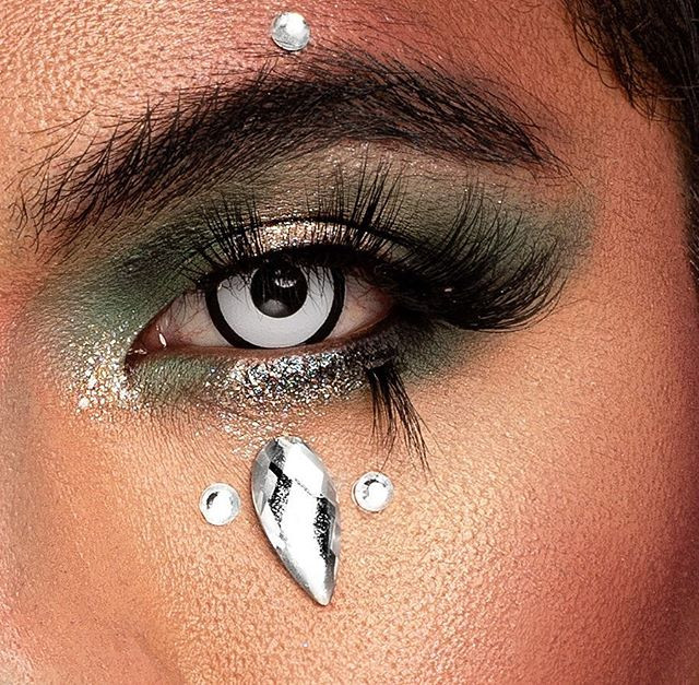"Diamond tears ✨_""Live for what's worth d"
