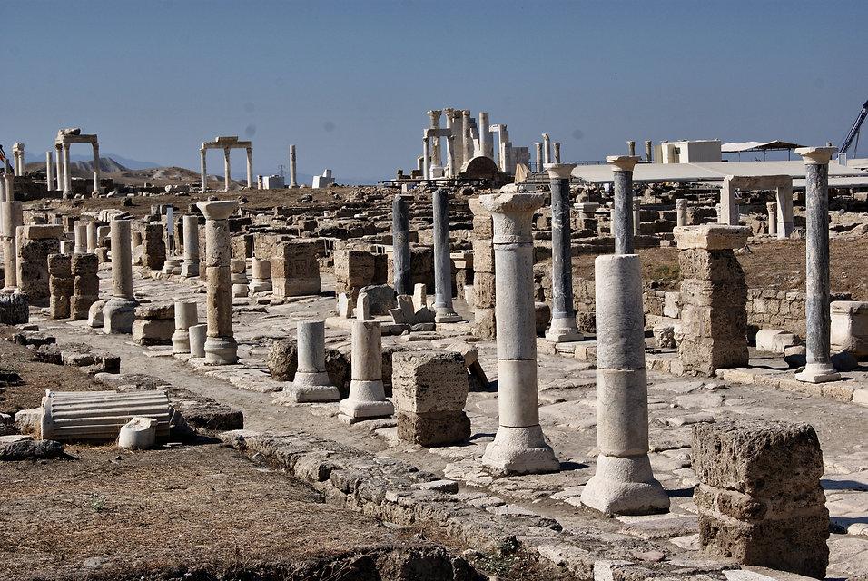 Laodikeia_-_Denizli_-_panoramio.jpg