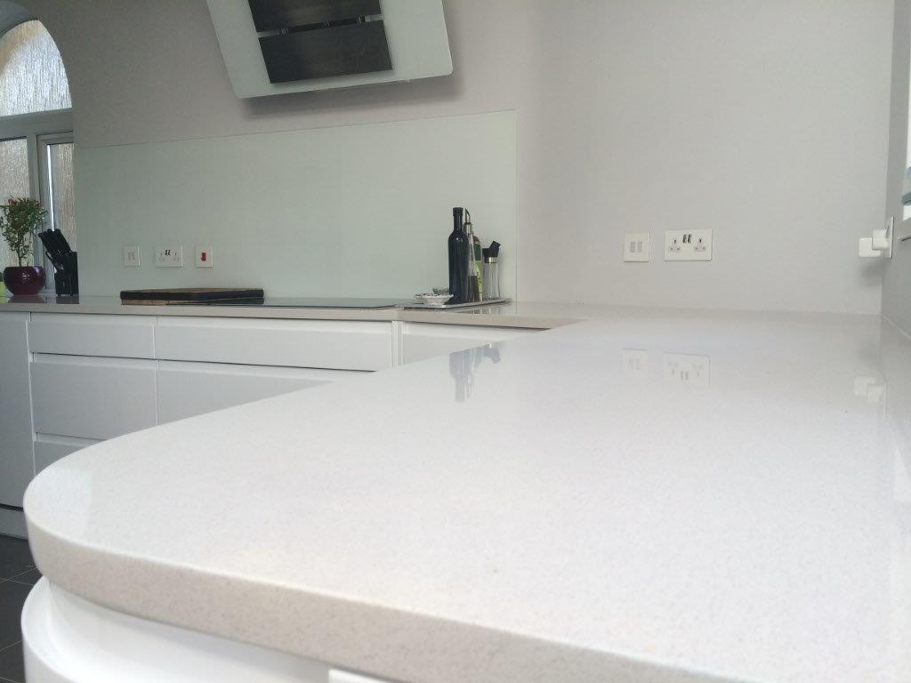 Creme quartz kitchen worktop in London (4)