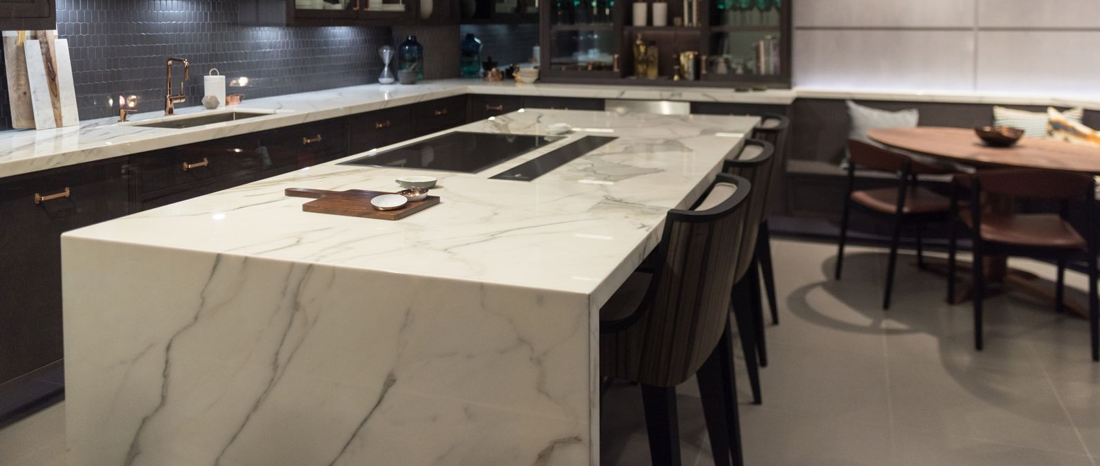 calacata bookmatch marble kitchen in central london top