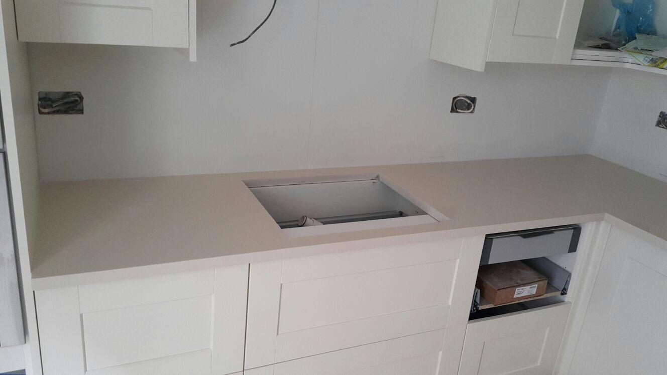 Ivory Quartz kitchen top  (4)