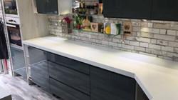 Quartz miterd edge kitchen top (2)