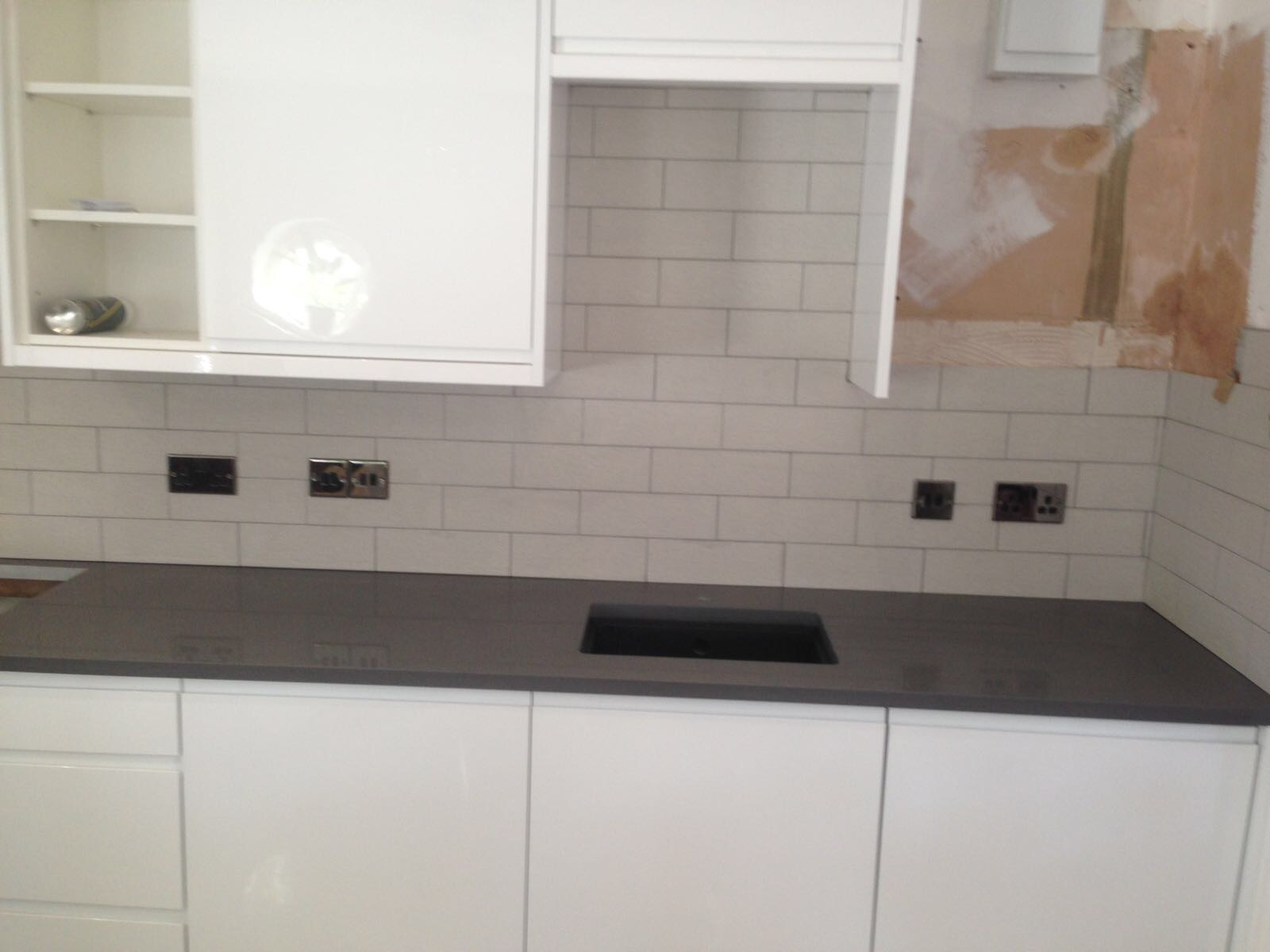 Grey quartz worktop (2)