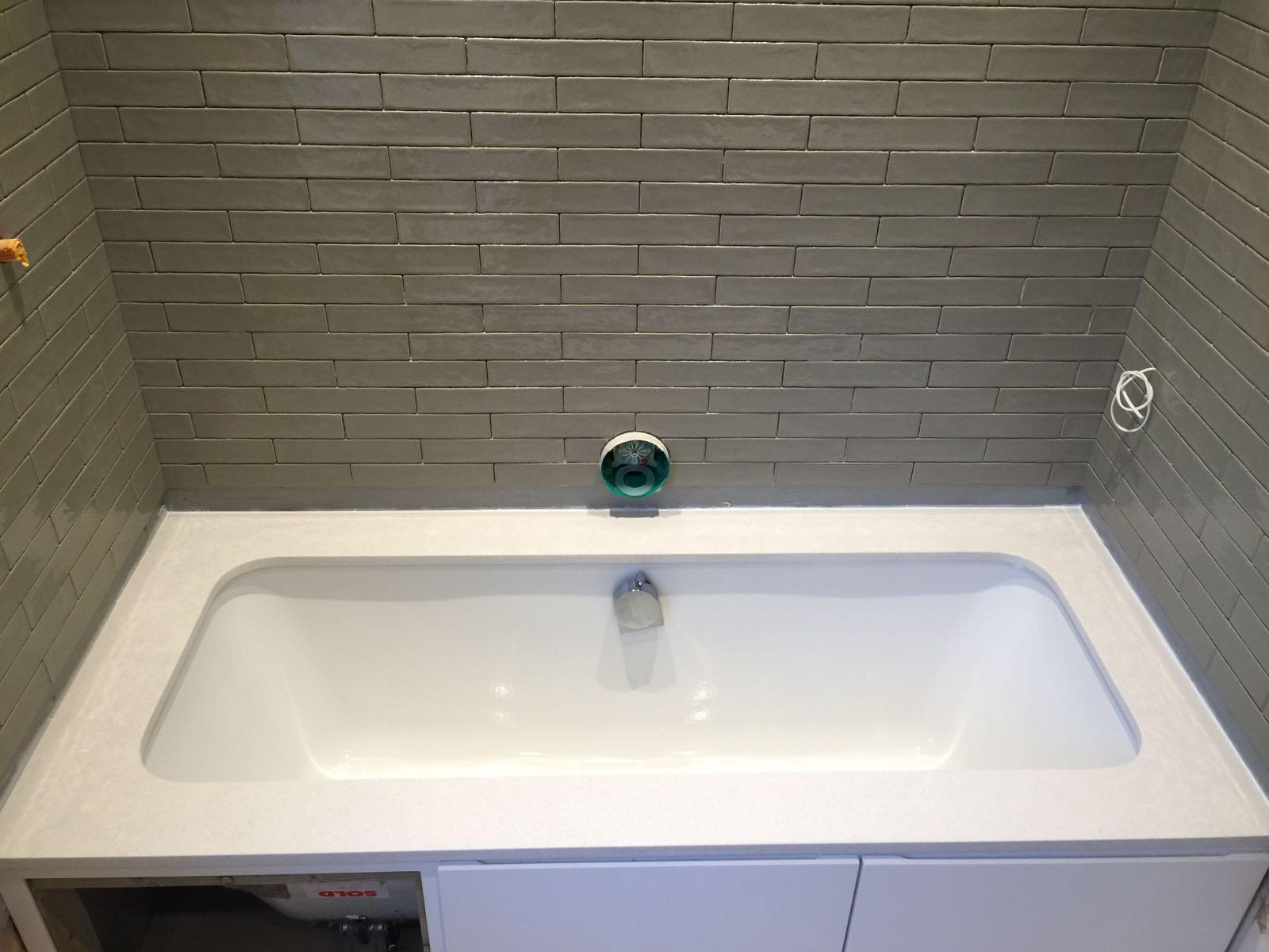 quartz bath surround  (2)