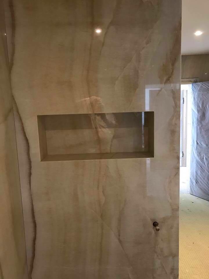 Bathroom in Marble  (1)