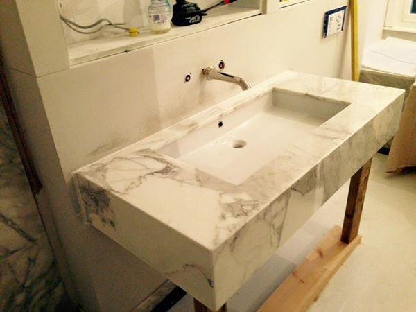 Calacata Oro marble bathroom vanity in London (4)