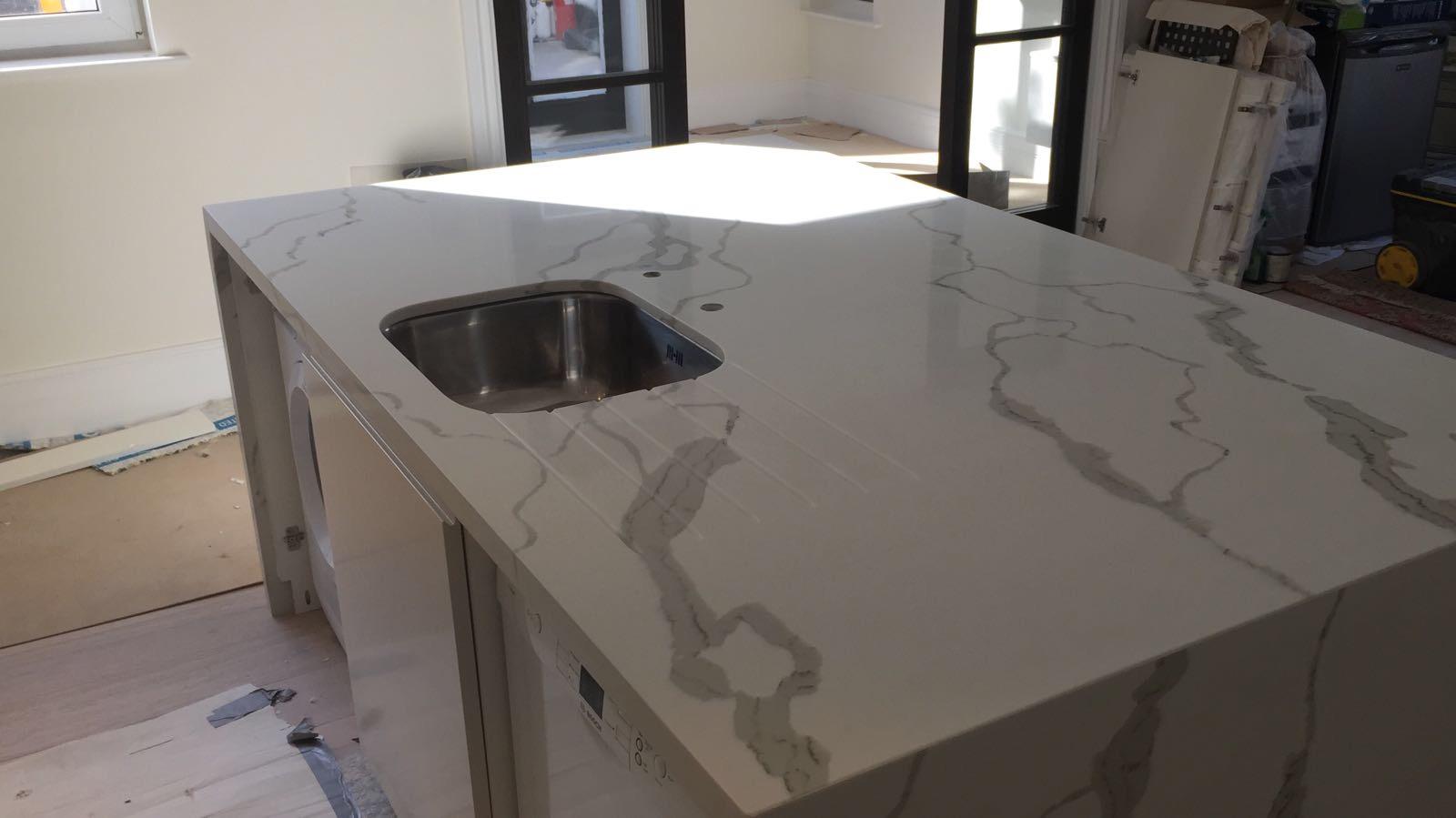 Calacatta Quartz kitchen top  (1)
