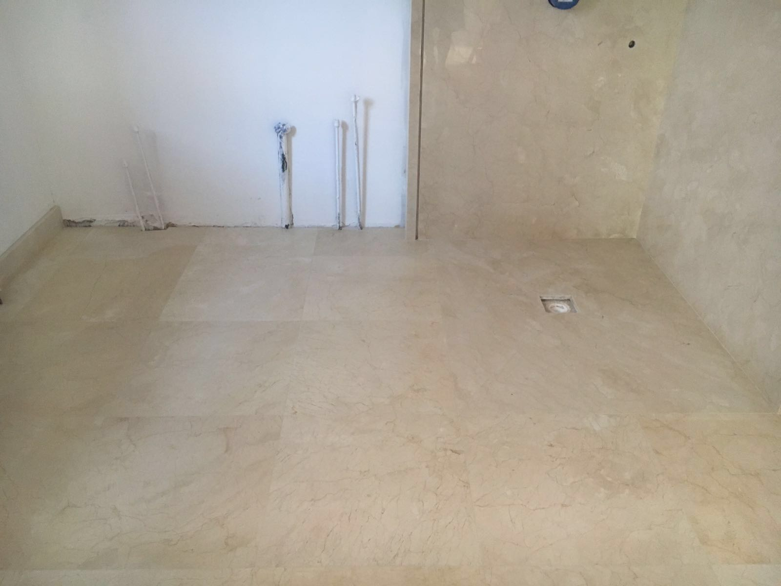 Crema Marfil bathroom cladding and flooring (5)