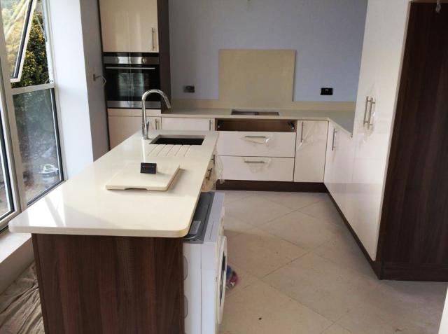 contemporary quartz kitchen worktop in London (1)
