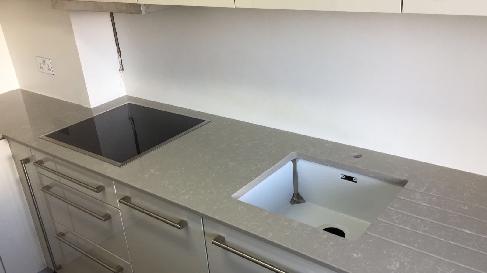 Dark Veiny kitchen  (4)
