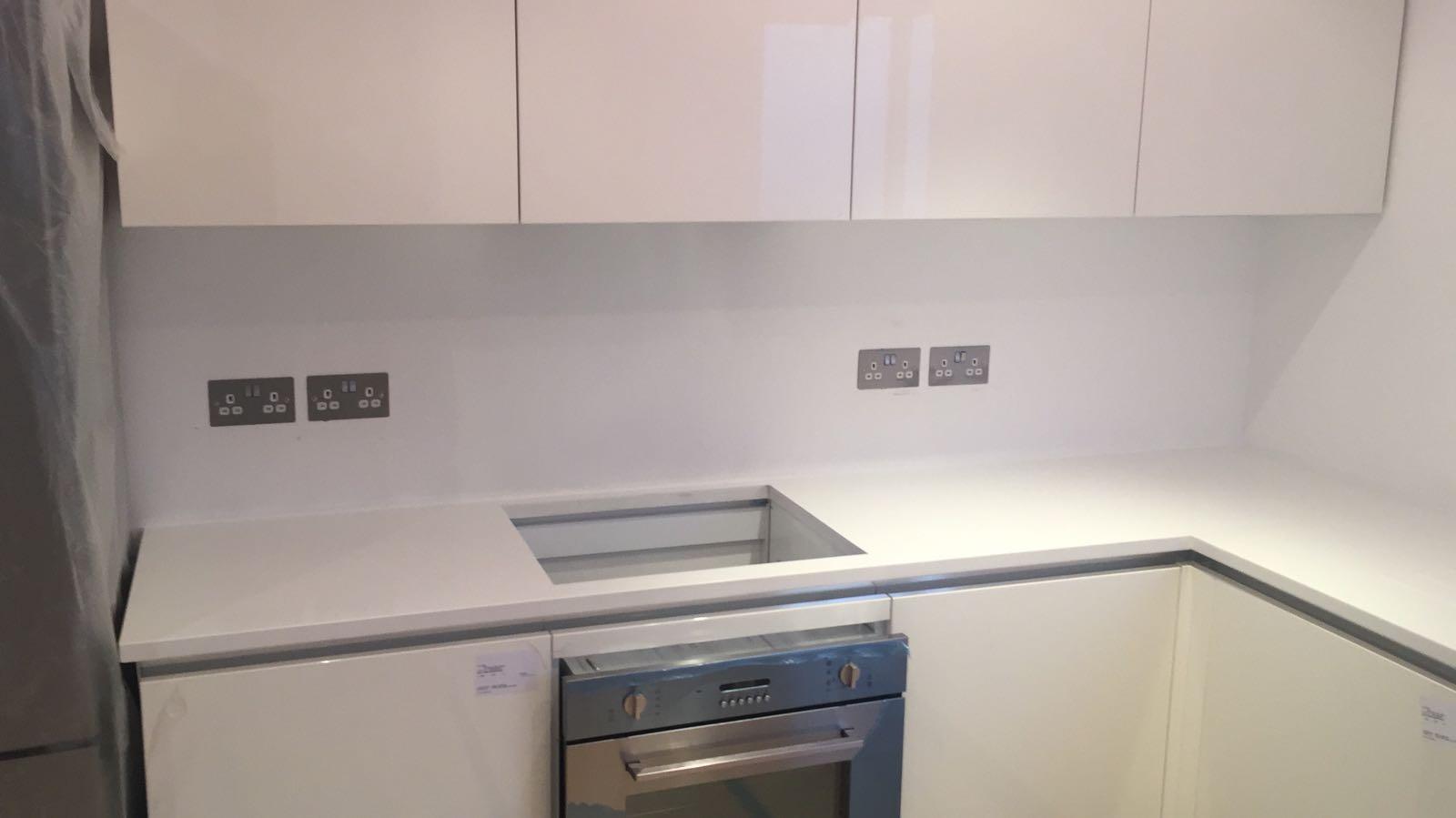 White Quartz worktops  (8)