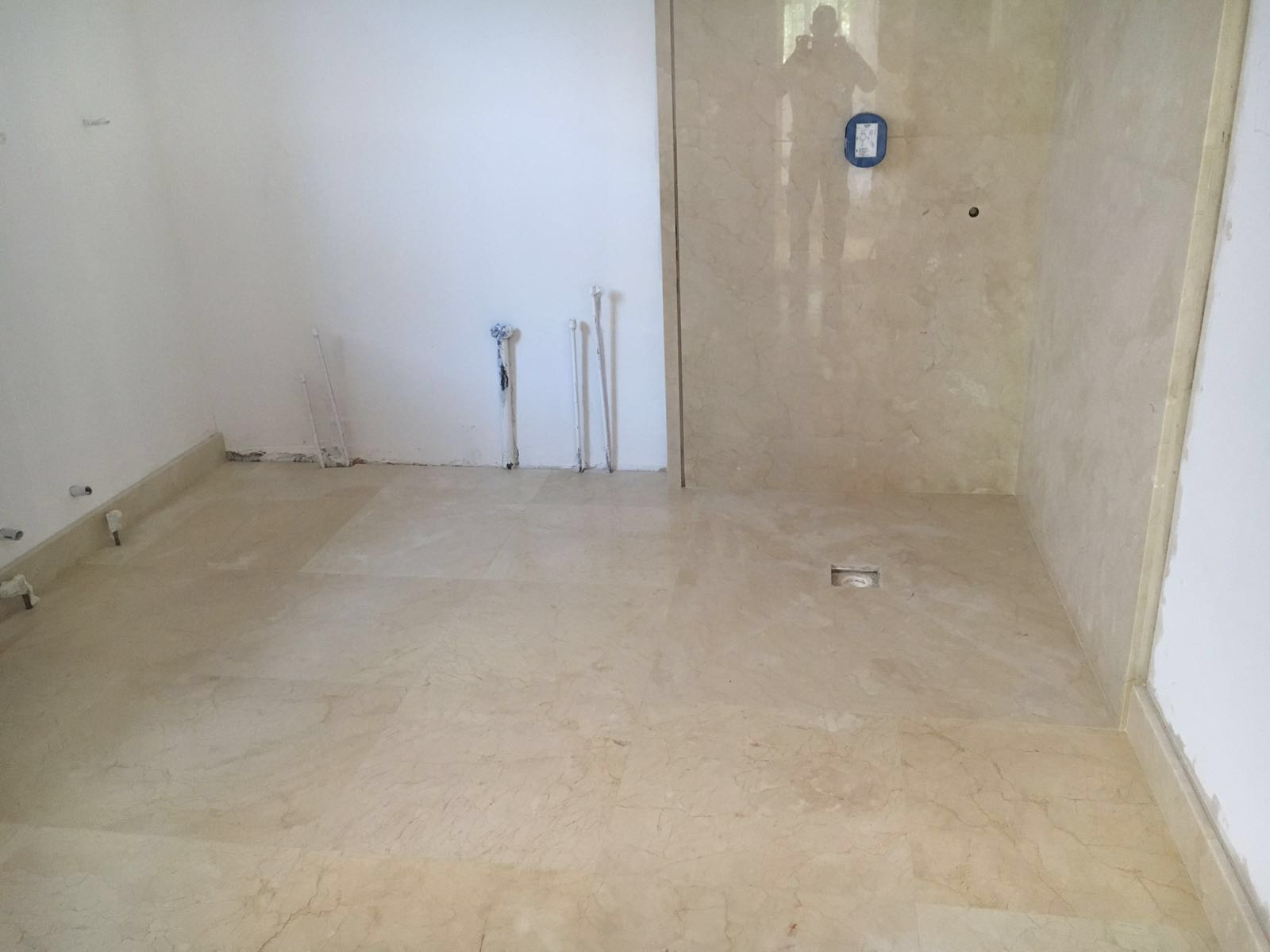 Crema Marfil bathroom cladding and flooring (4)