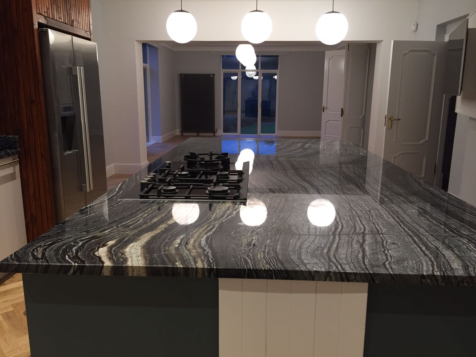Silver Wave granite kitchen top (1)