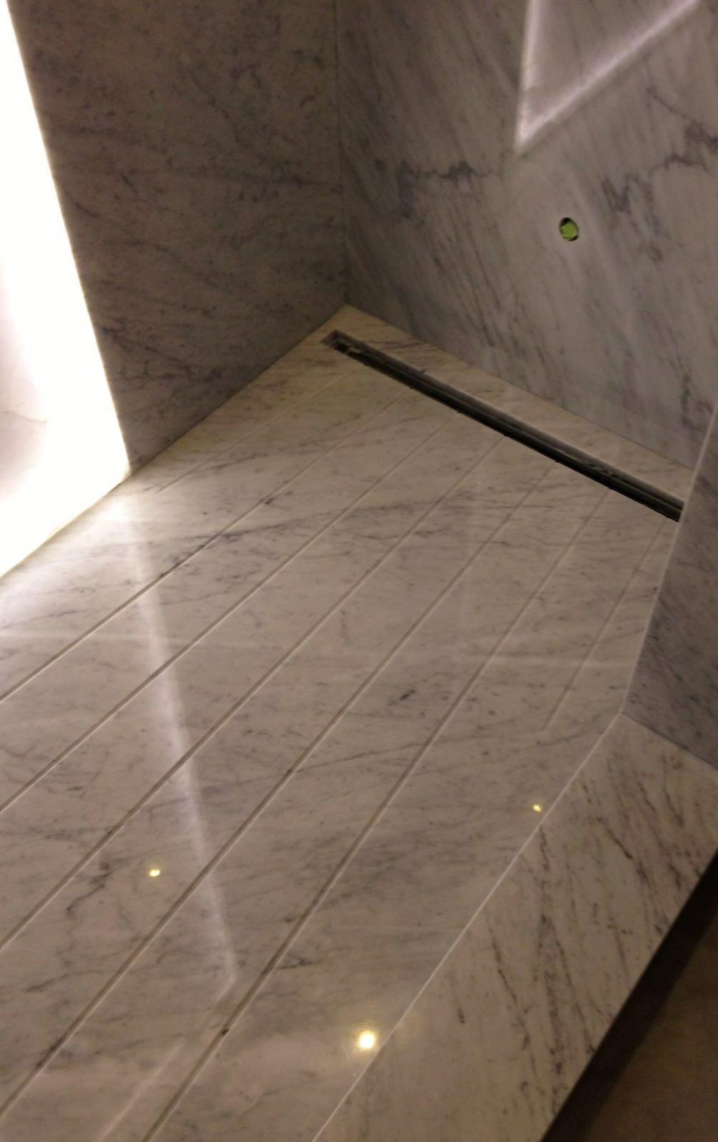 Carrara and silver traventive  (2)