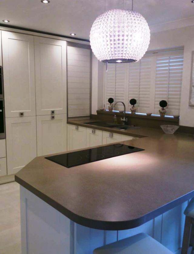 Grey quartz kitchen worktop in London  (1)