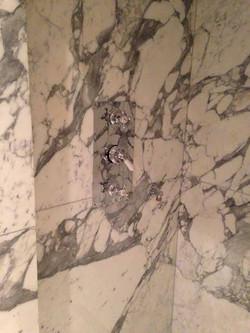 Arabescato mabrle cladding in bathroom London (2)