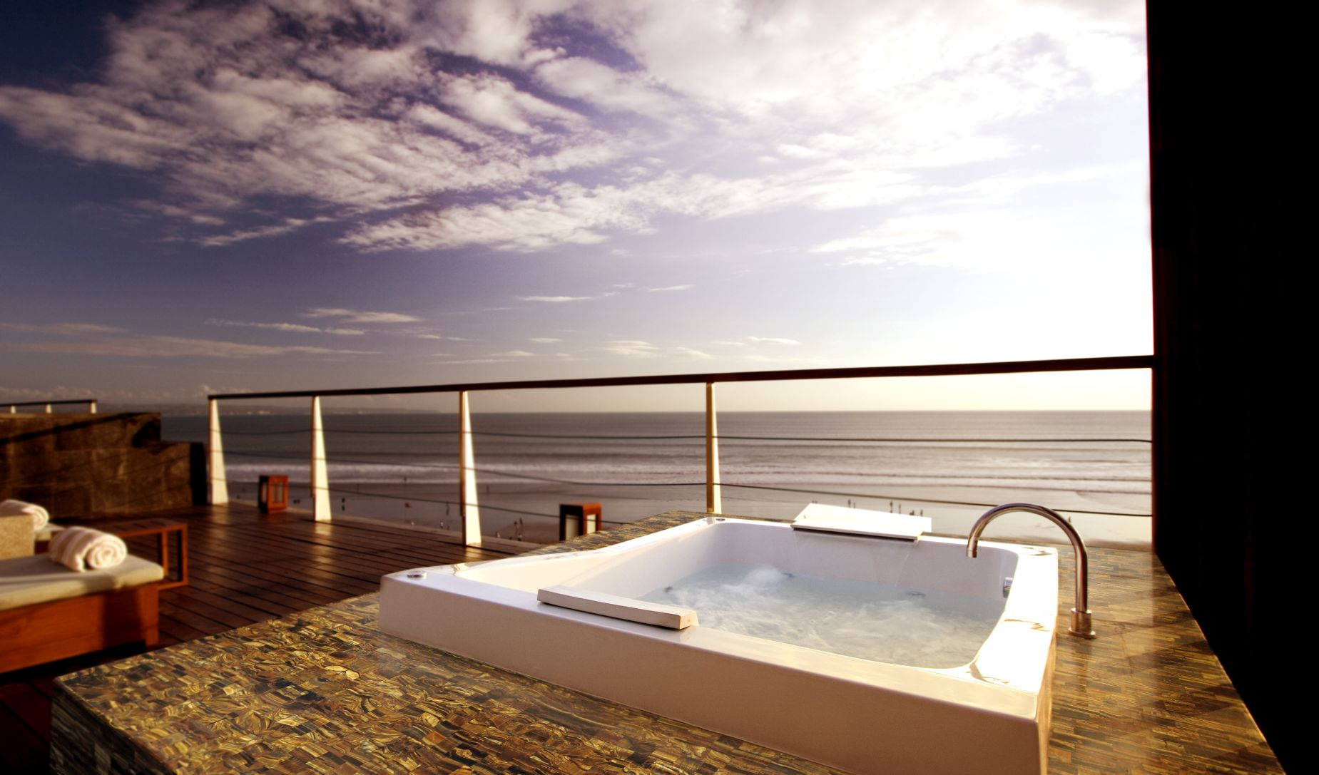 tiger eye gold outdoor jacuzzi