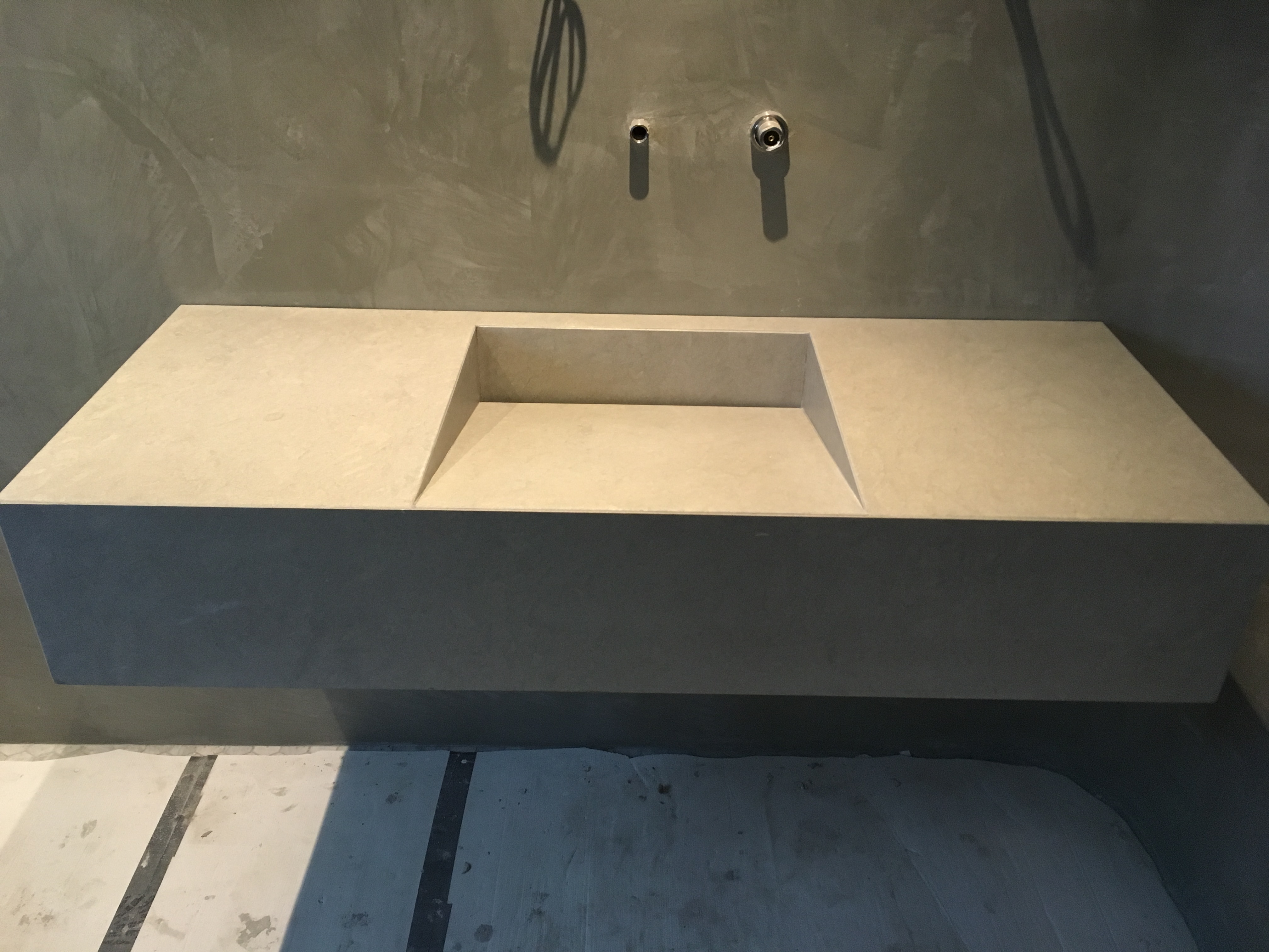 Bateig blue bathroom bespoke vanity shallow gap waste