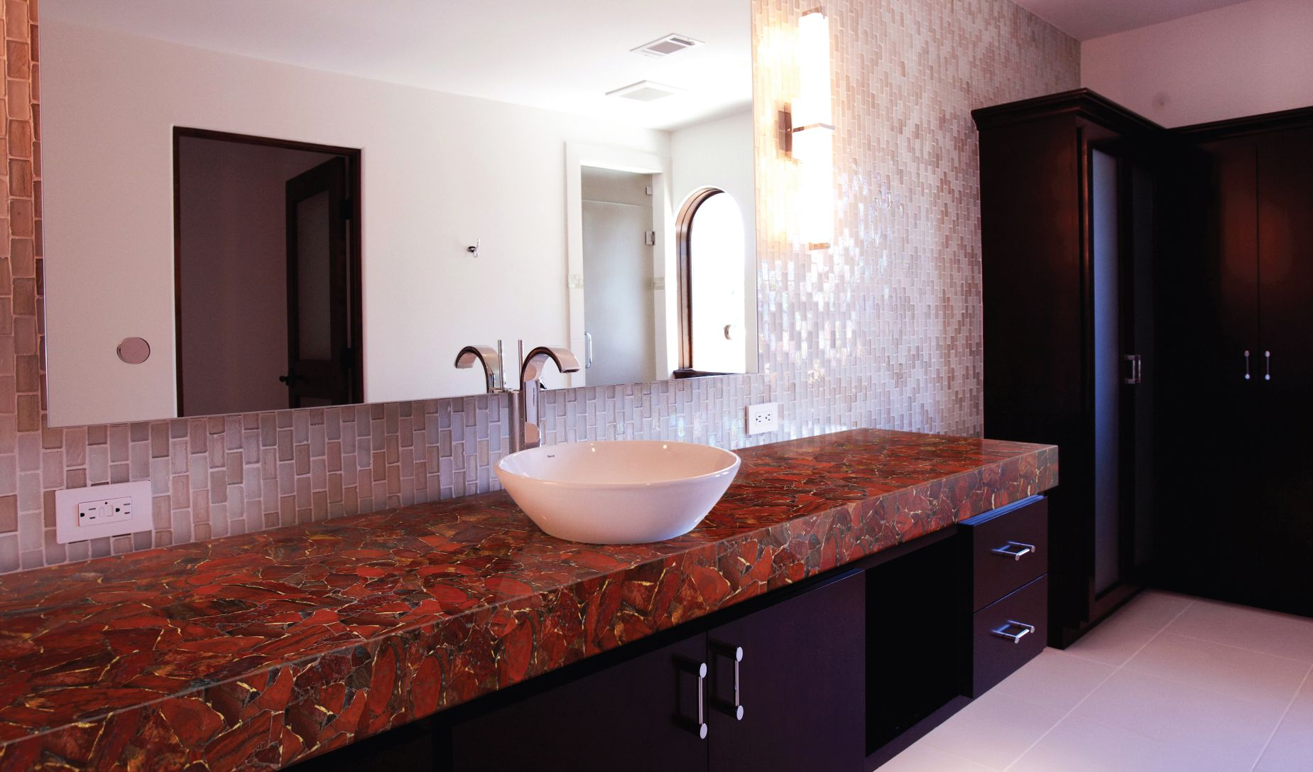 jasper red with gold bathroom