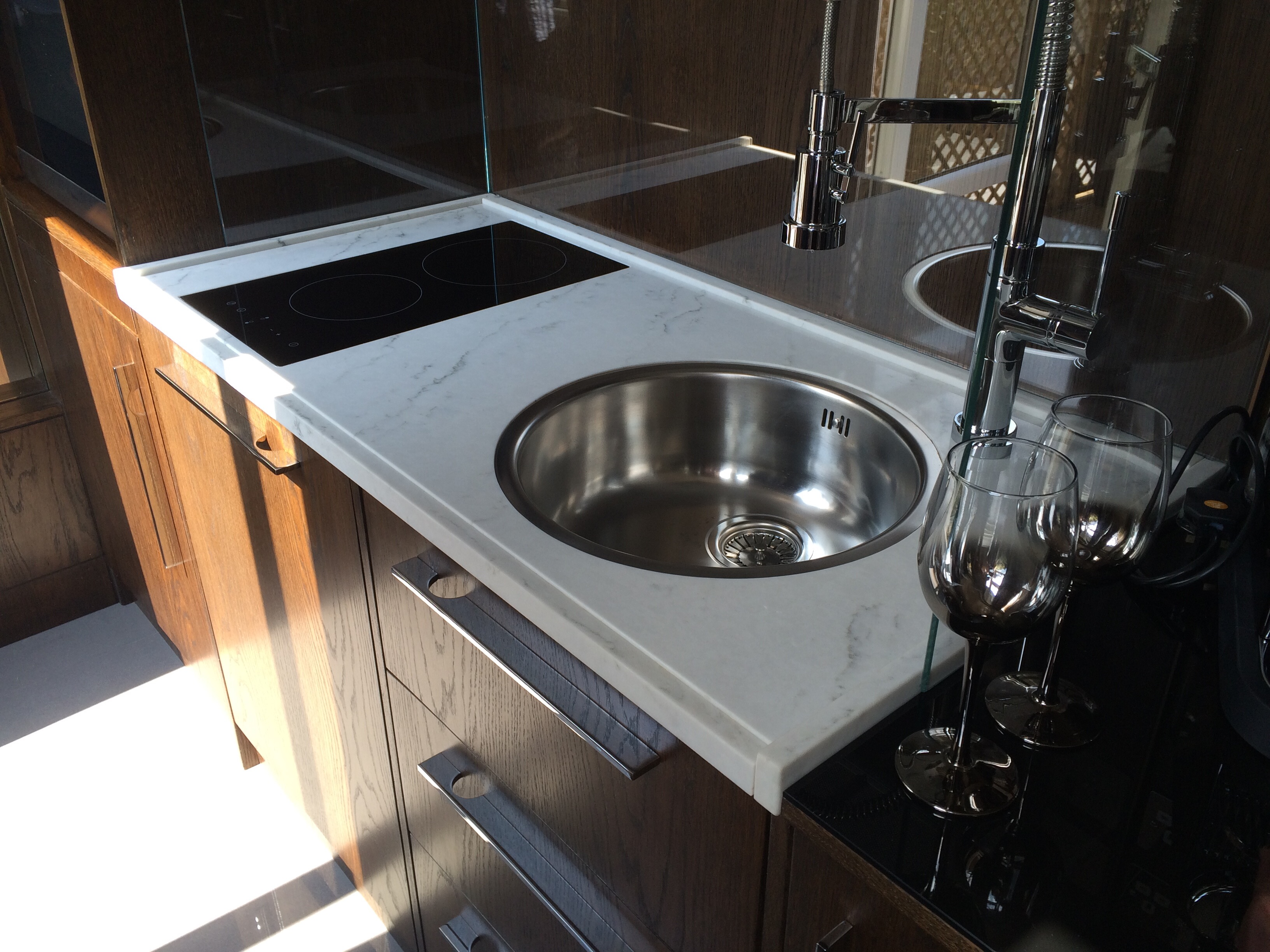 Recessed sink and hob on Carrara composite top  (3)
