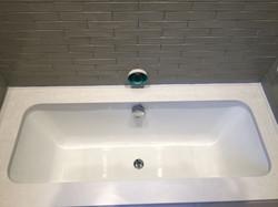 quartz bath surround  (1)
