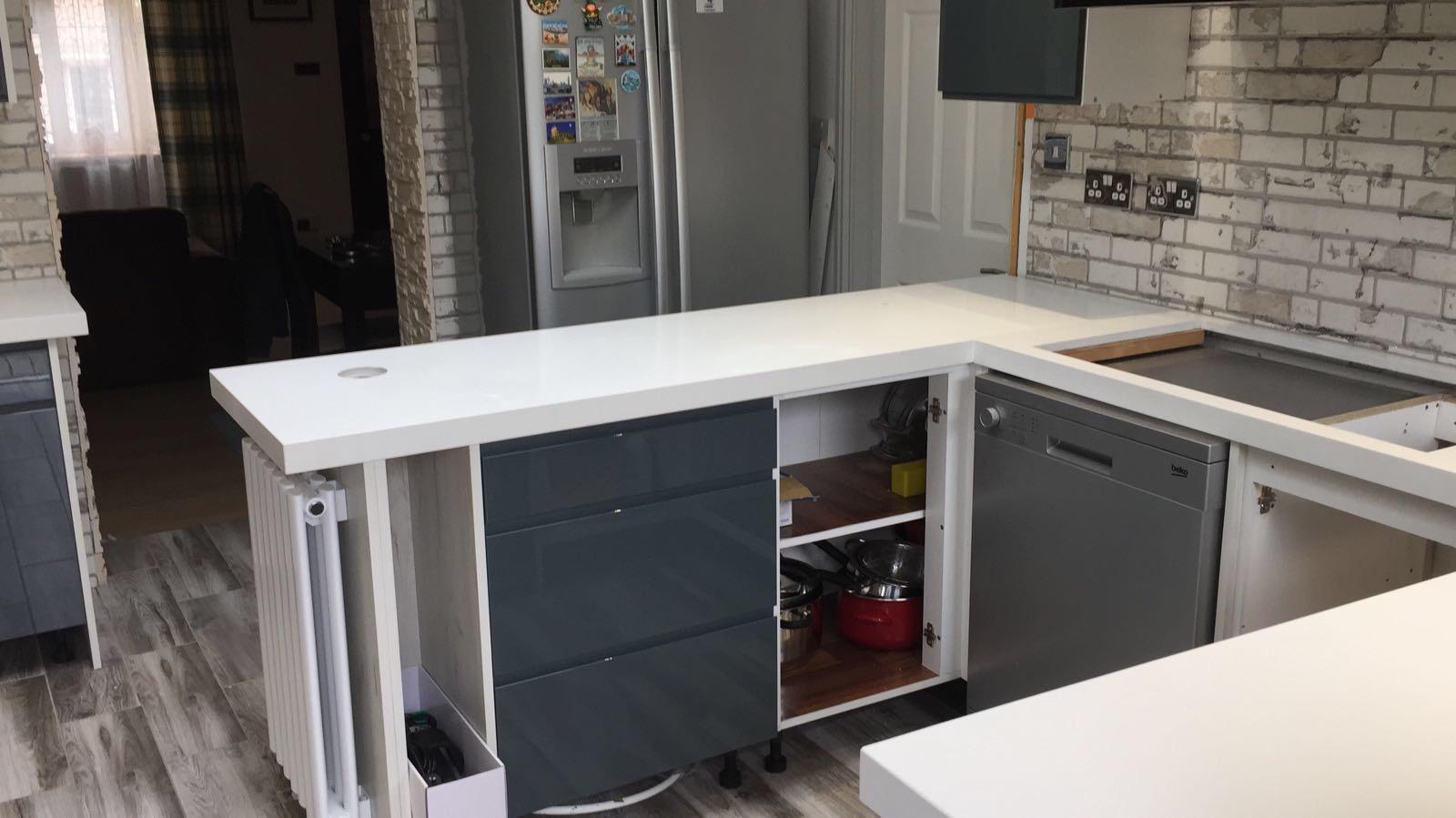 Quartz miterd edge kitchen top (5)