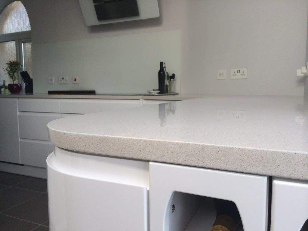 Creme quartz kitchen worktop in London (3)