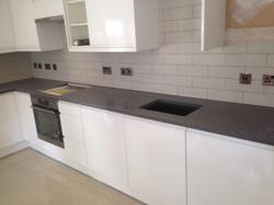 Grey quartz worktop (3)