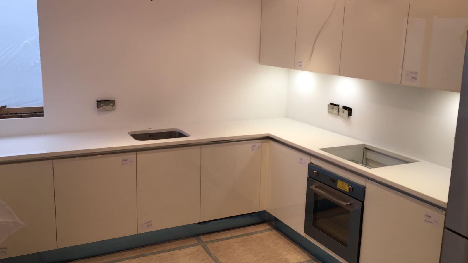 White Quartz worktops  (11)